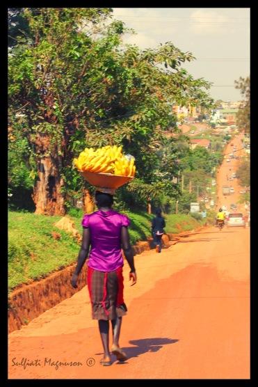 Banana Woman.2.F.©